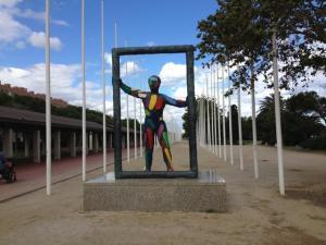 """""""El Marc"""", escultura de Robert Llimós plaça dels voluntaris - Barcelona"""